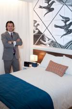 Dan Fonseca - presidente da EmCorp - quarto Super 8