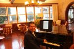 Antonio Barker - pianista - Hotel Toriba