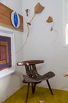 Espa�o LuzAzul (Campos do Jordão SP) cadeira e pipas em madeira Eduardo Miguel - foto Jayro Lemos